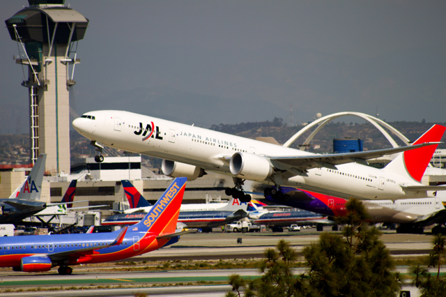 LAX_Tower_and_JAL_Livery