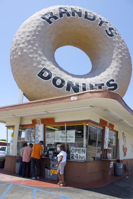 Randys donuts celebrates 60th anniversary